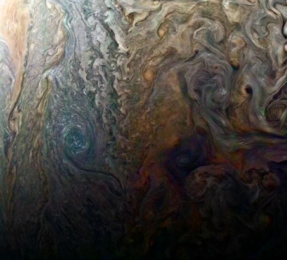 Amazing Images by Spacecraft Orbiting Jupiter - Jaime Bonetti Ze